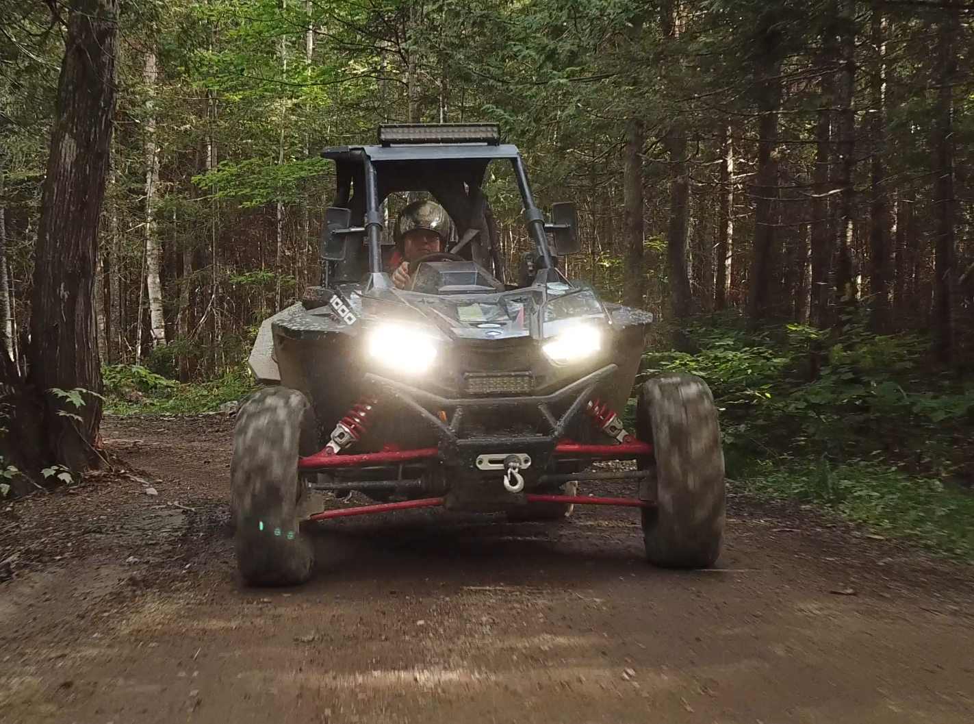 Ce n'est pas un VTT, ni un côte à côte… C'est un RZR RS1