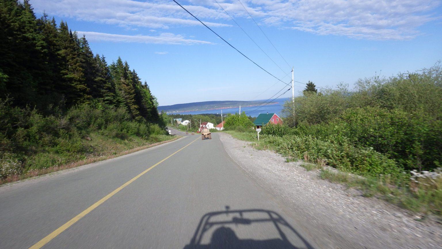 Quad sur les routes du Québec Quad sur les routes du Québec Quad sur les routes du Québec
